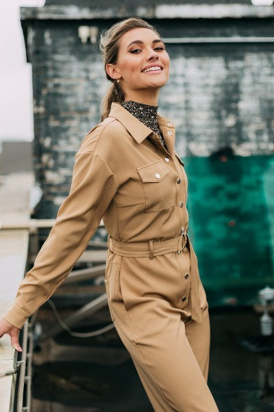 Boilersuit with chestpockets and tie camel