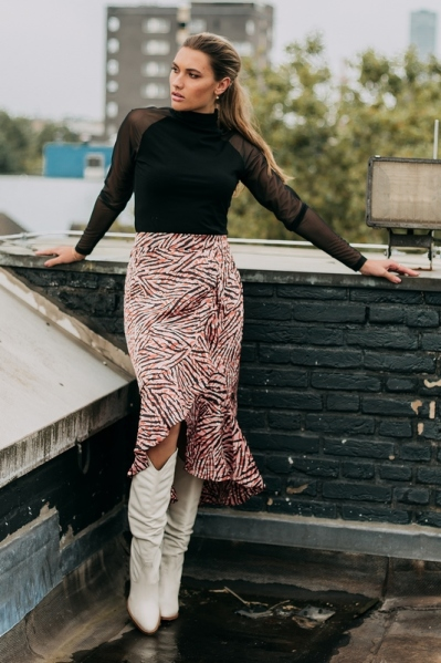 Skirt with volants and elastic at backside of wais multi