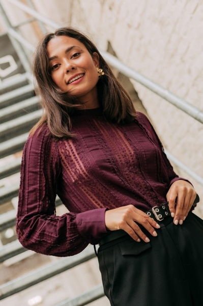 Lace blouse with long sleeves bordeaux