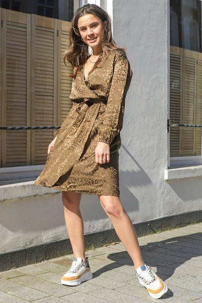Long sleeved wrapdress with puff sleeve army
