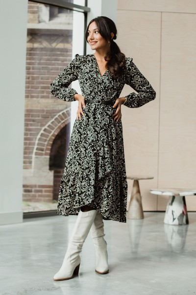 long sleeve dress with wrap, volants and belt zwart wit