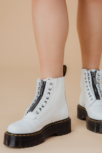 Dr.Martens Veterboot Wit - SINCLAIR AUNT SALLY